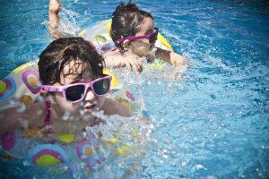 ילדים בבריכה – טיפים לשגרת חדשה